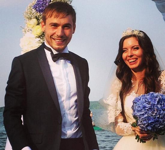Биатлонист Антон Шипулин и его жена Луиза Сабитова